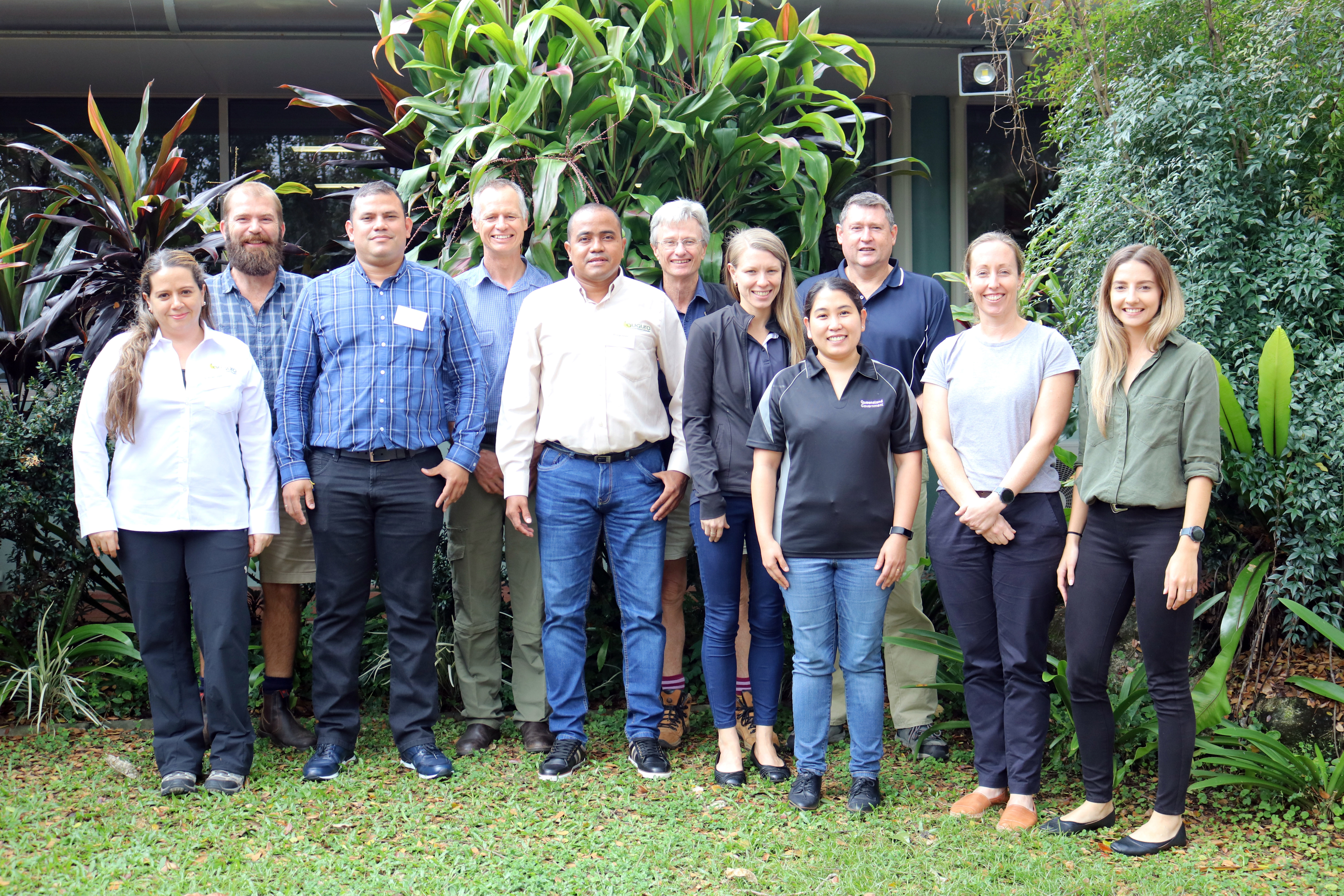 All front left: Ms. Marcela Cadavid, Director Cenibanano, Augura, Mr. Antonio Jose Gonzalez, ASBAMA and Mr. Jorge Vargas, Researcher Cenibanano, Augura with the team from DAF at the South Johnstone Centre for Wet Tropics.